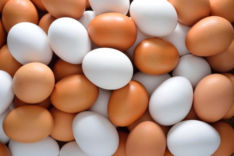 Сколько весит куриное яйцо?