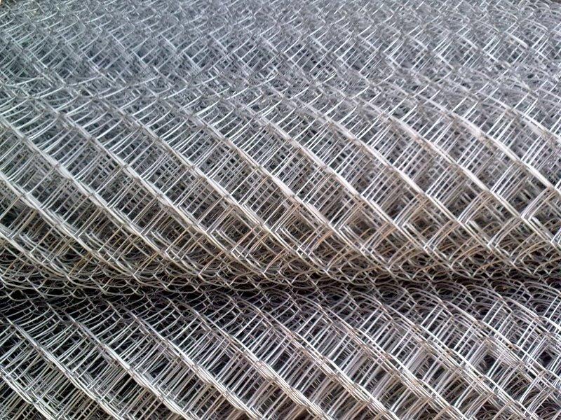 Использование сетки для монтажа клеток